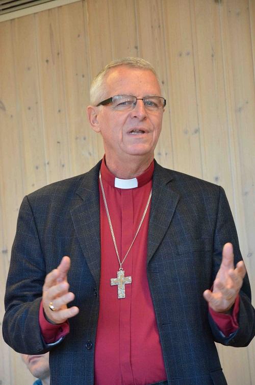 Fra Stiftsmøtet. Hilsen fra Missionsprovinsen ved biskop Roland Gustafsson. Foto: Thor Henrik With