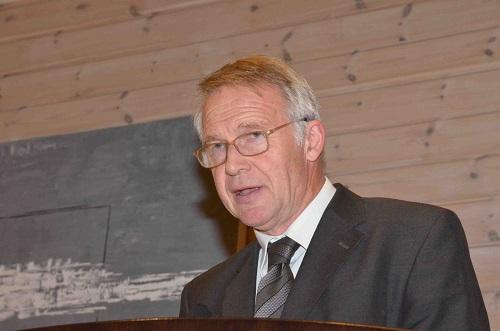 Fra jubileumsmiddagen. Hilsen fra Fjellheim bibelskole ved rektor Thor Fremmegård. Foto: Thor Henrik With